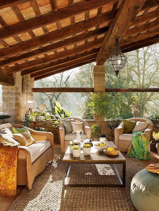Sunroom decorating ideas care free sunrooms for Sunroom and patio designs